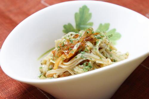 今日のキムチ料理レシピ:えのきのキムチ和え