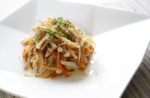 今日のキムチ料理レシピ:えのきとキムチのおかか和え