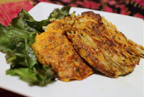 今日のキムチ料理レシピ:えのきのキムチピカタ