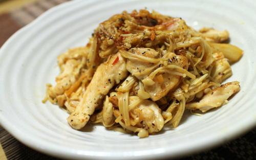 今日のキムチレシピ:鶏肉とキムチのハーブソルト炒め