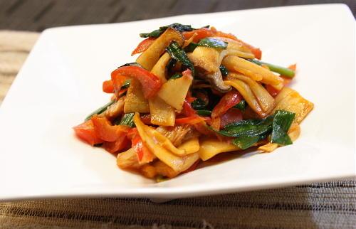 今日のキムチ料理レシピ:エリンギとキムチのケチャマヨ炒め