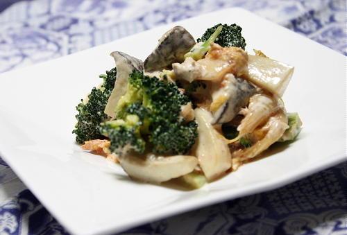 今日のキムチ料理レシピ:エリンギとキムチのマヨ和え
