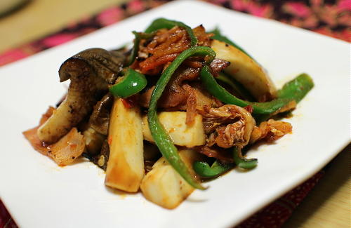 今日のキムチレシピ:エリンギとキムチのウスターソース炒め