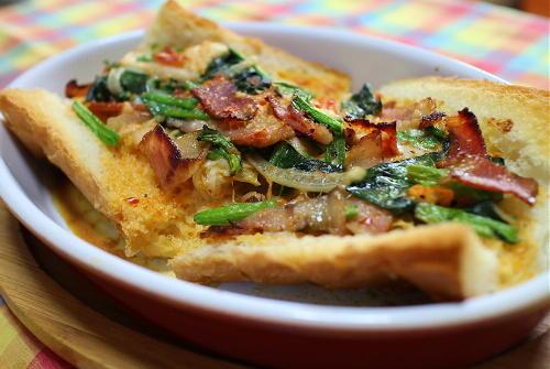 今日のキムチ料理レシピ:ほうれん草とキムチのフランスパンキッシュ