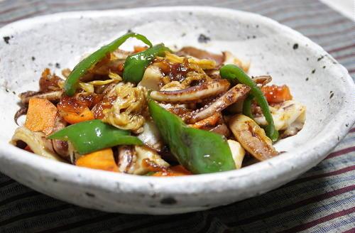 今日のキムチ料理レシピ:イカゲソキムチ炒め
