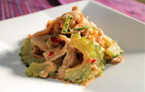 今日のキムチレシピ:豚肉とゴーヤのキムチサラダ