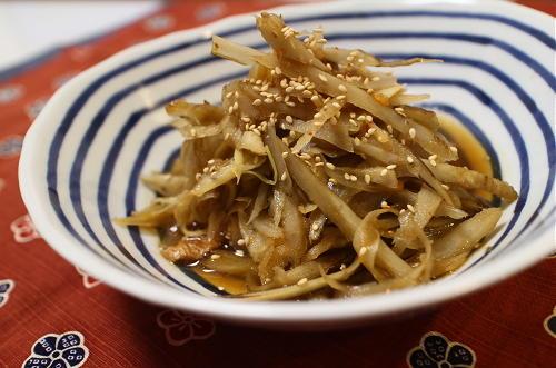 今日のキムチ料理レシピ:ゴボウとちくわのキムチ煮