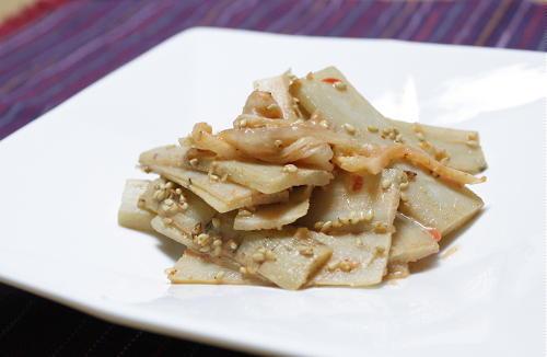 今日のキムチ料理レシピ:ごぼうとキムチのごま酢和え