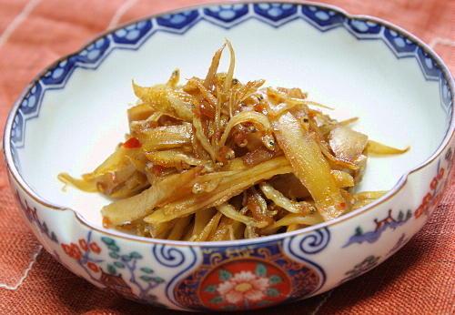 今日のキムチ料理レシピ:ごぼうとじゃこのピリ辛きんぴら