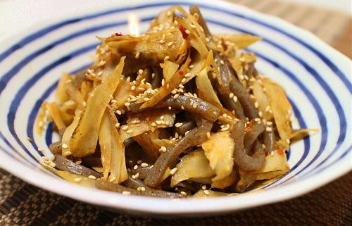 今日のキムチ料理レシピ:ごぼうとこんにゃくのピリ辛炒め