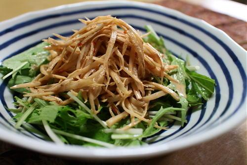 今日のキムチ料理レシピ:ごぼうのピリ辛オイマヨサラダ