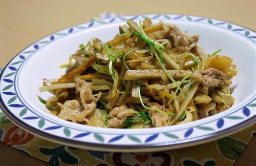 今日のキムチ料理レシピ:ごぼうとセロリの甘辛炒め