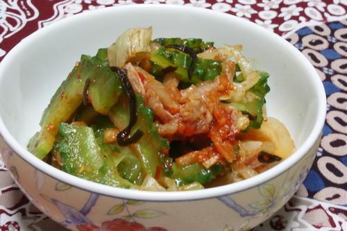 今日のキムチ料理レシピ:ゴーヤとキムチの塩昆布和え
