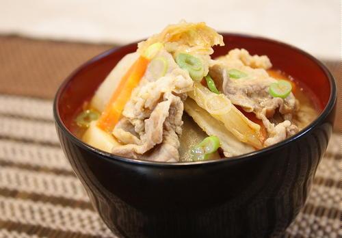 今日のキムチ料理レシピ:具だくさんキムチ豚汁