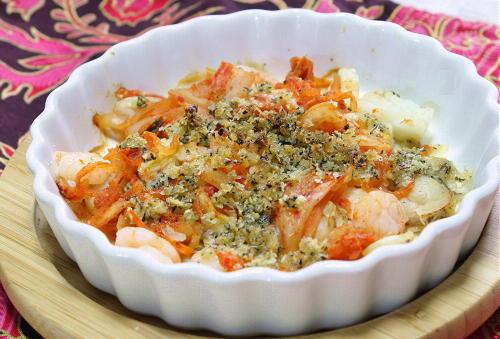 今日のキムチ料理レシピ:魚介のキムチチーズパン粉焼き