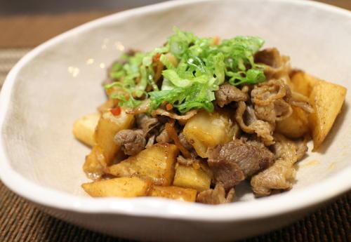 今日のキムチ料理レシピ:牛肉と大根のキムチ炒め