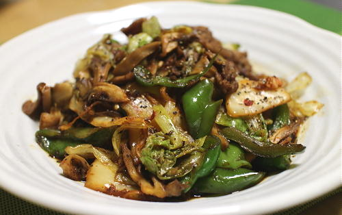 今日のキムチレシピ:牛肉とレタスのキムチオイスターソース炒め