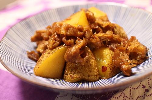 今日のキムチ料理レシピ:ピリ辛肉じゃが