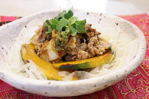 今日のキムチ料理レシピ:牛肉とかぼちゃとキムチのサラダ