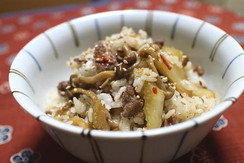今日のキムチレシピ:牛肉とキムチの混ぜご飯