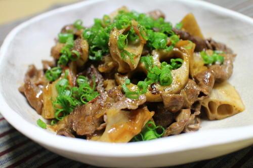 今日のキムチレシピ:牛肉とレンコンのキムチ炒め