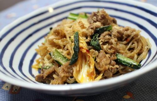 今日のキムチ料理レシピ:白滝と牛肉のキムチ炒め