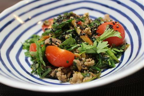 今日のキムチ料理レシピ:牛肉とキムチのサラダ
