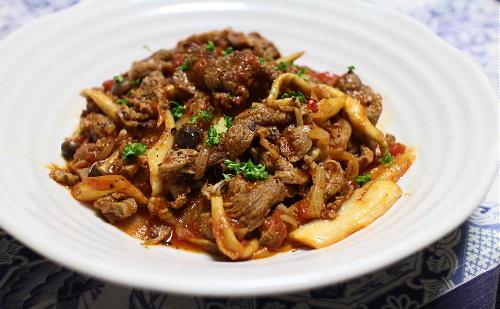今日のキムチ料理レシピ:牛肉とキムチのトマト煮