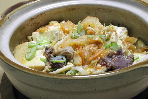 今日のキムチ料理レシピ:牛肉キムチ豆腐の卵とじ