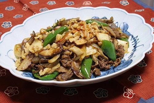 今日のキムチ料理レシピ:牛肉とキムチのウスターソース炒め