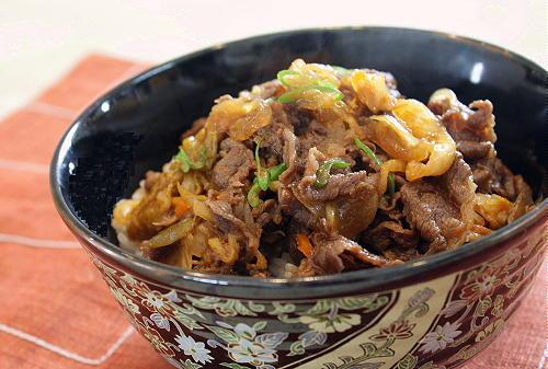 今日のキムチ料理レシピ:牛キムチ丼