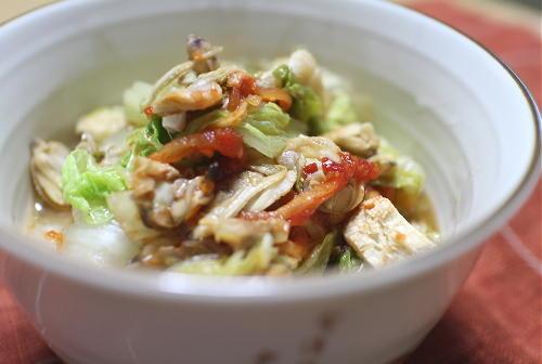 白菜とあさりのピリ辛煮レシピ
