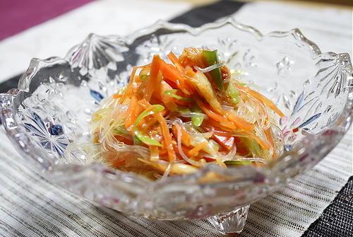 今日のキムチ料理レシピ:キムチ春雨サラダ