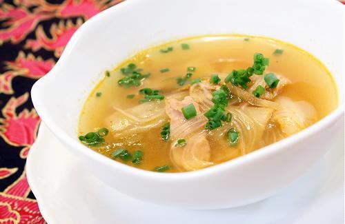 今日のキムチ料理レシピ:キムチと春雨のスープ