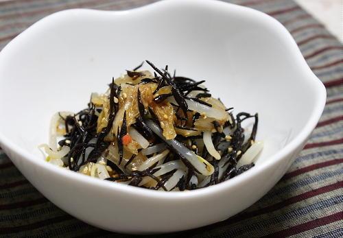 今日のキムチ料理レシピ:ひじきとキムチのサラダ