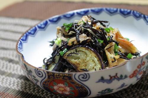今日のキムチ料理レシピ:ナスとひじきのキムチサラダ