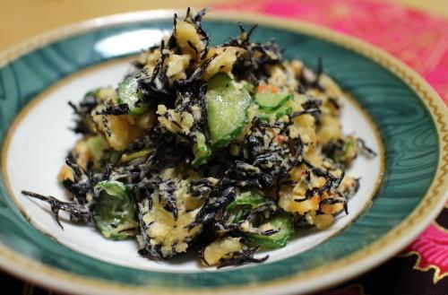 今日のキムチ料理レシピ:ひじきとキムチ入りポテトサラダ