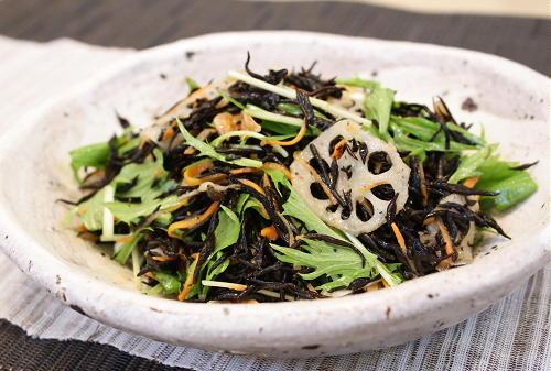 今日のキムチ料理レシピ:ひじきキムチサラダ