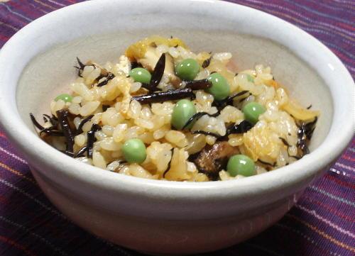 今日のキムチ料理レシピ:ひじきとキムチの炊き込みご飯