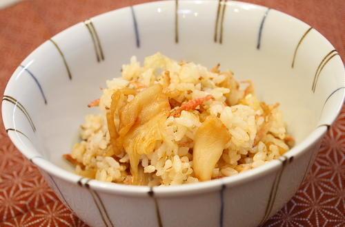 今日のキムチ料理レシピ:干しえびとキムチの混ぜご飯