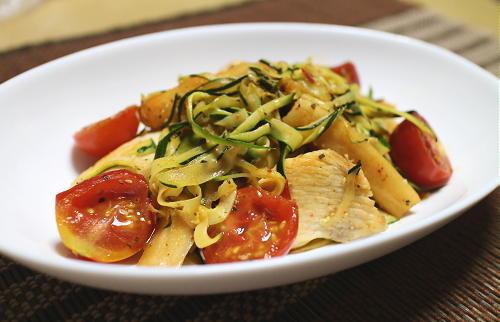 細切りズッキーニと鶏肉の大根キムチ炒めレシピ