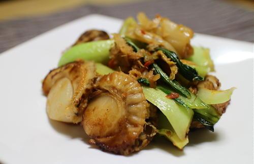 今日のキムチ料理レシピ:ホタテと青梗菜のキムチ炒め