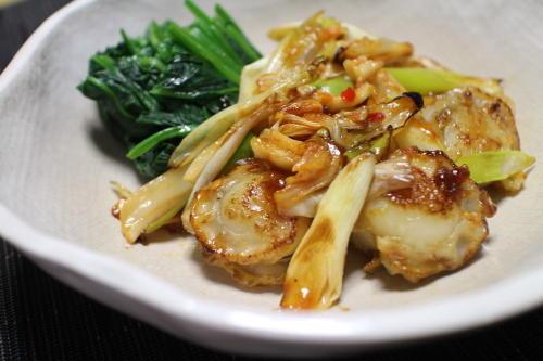 今日のキムチ料理レシピ:ホタテとキムチのオイスターソース炒め