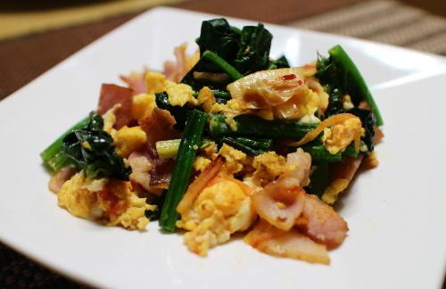 今日のキムチレシピ:ほうれん草とキムチの卵炒め