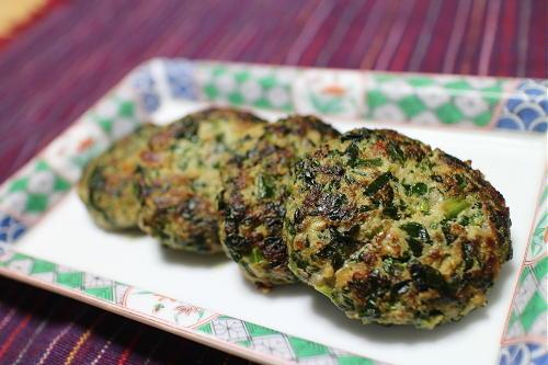 今日のキムチレシピ:ほうれん草とキムチの肉団子