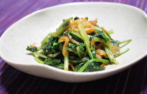 今日のキムチ料理レシピ:ほうれん草とキムチのバターしょうゆ炒め
