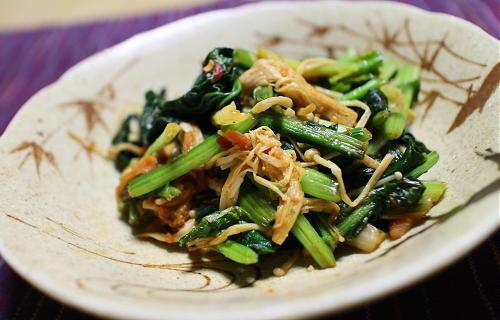今日のキムチ料理レシピ:ほうれん草とえのきのピリ辛バター醤油炒め