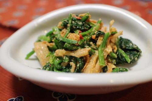 今日のキムチ料理レシピ:ほうれん草とキムチのごまマヨ和え
