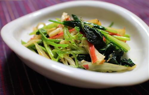 今日のキムチレシピ:ほうれん草とカニカマのキムチ和え