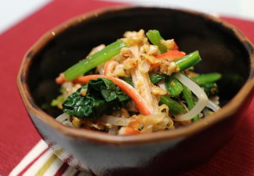 今日のキムチ料理レシピ:ほうれん草ともやしのキムチクルミ和え